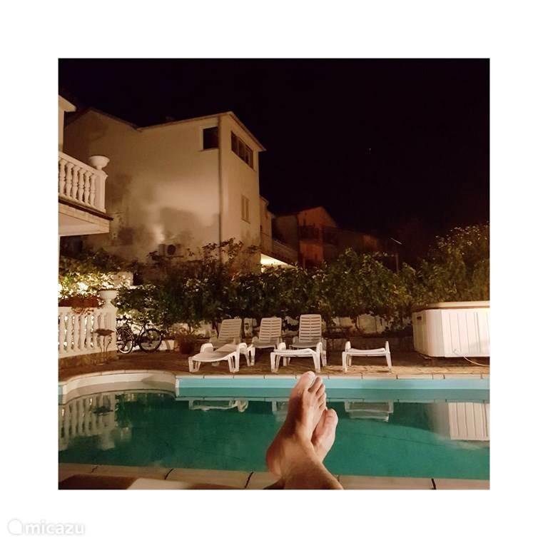 relaxing by the pool ...