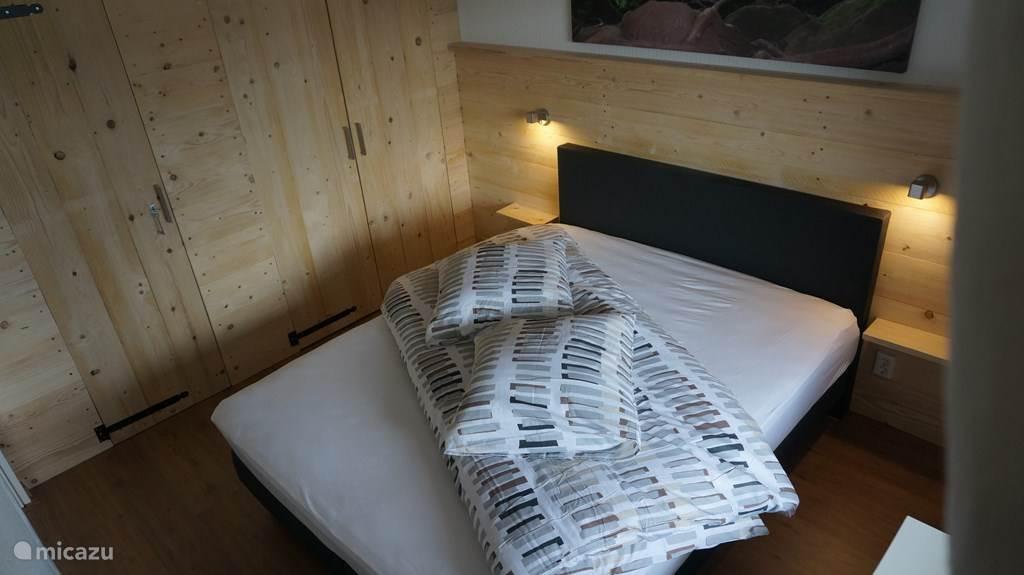 Master Bedroom met ingebouwde kleedkast