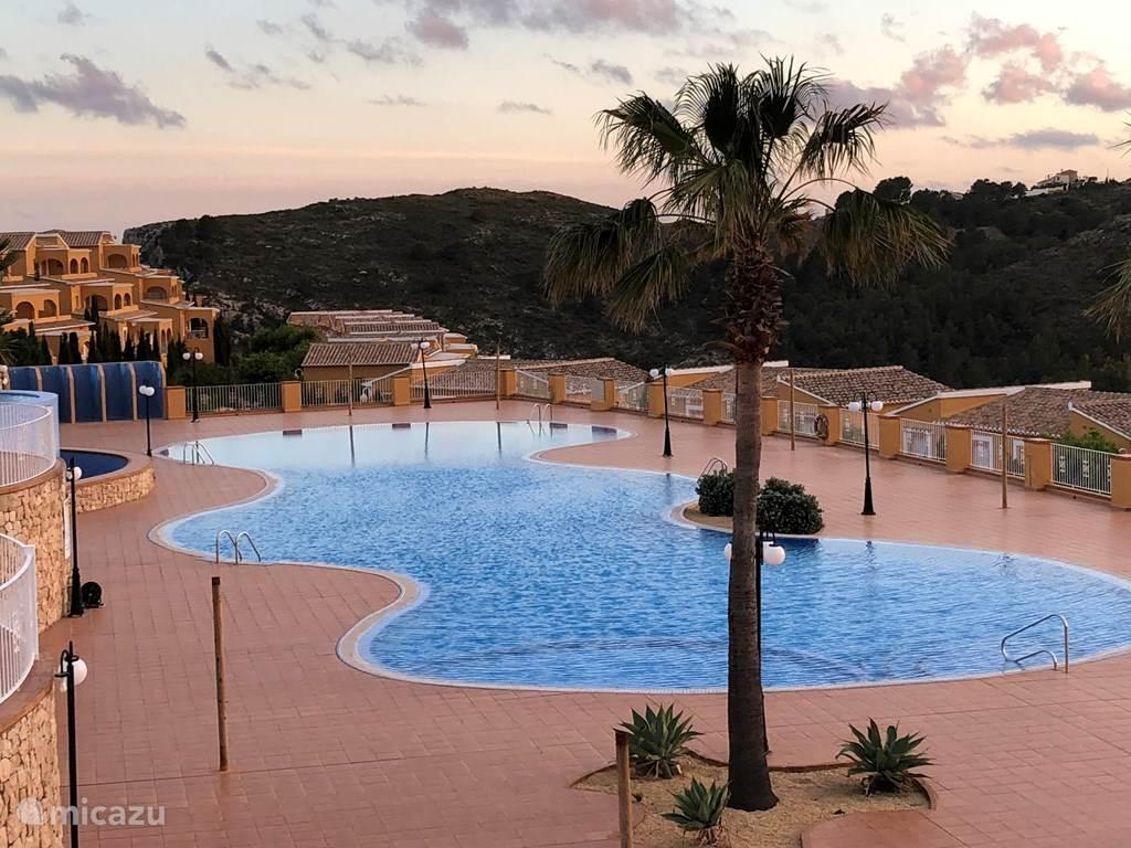Het zwembad dat u met 2 minuten lopen kunt bereiken.