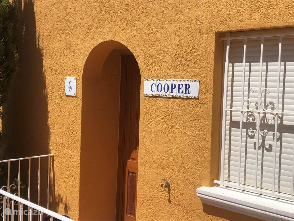 De ingang van Casa del Cooper