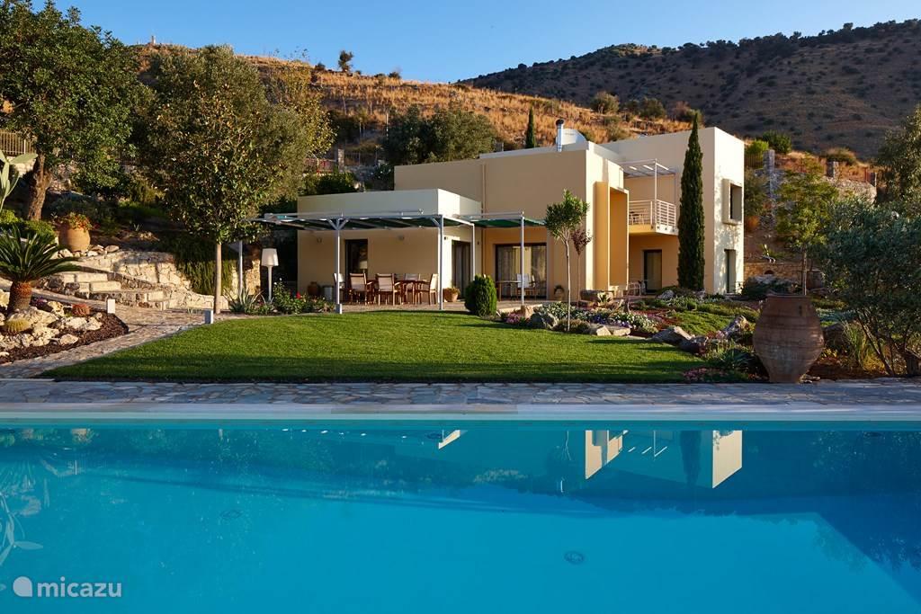 Vakantiehuis Griekenland, Kreta, Agia Galini villa Villa Theodora luxe en rust