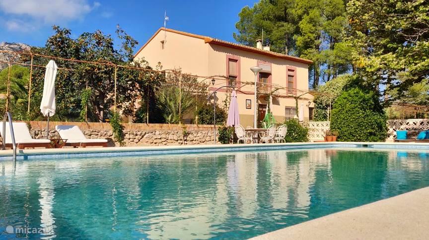Vacation rental Spain – holiday house Casa de Los Lirios