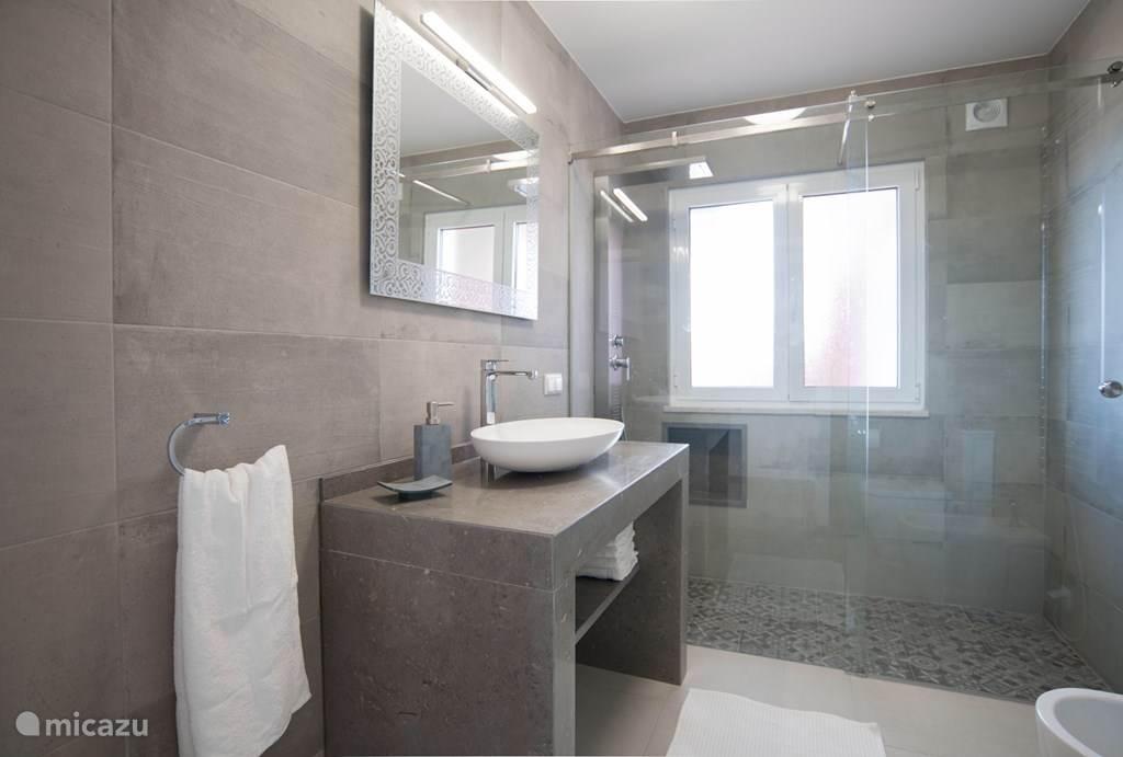 Badkamer appartement Liboa