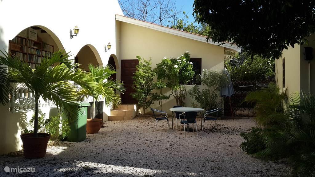 Vacation rental Curaçao, Curacao-Middle, Abrahamsz Studio Studio Chuchubi