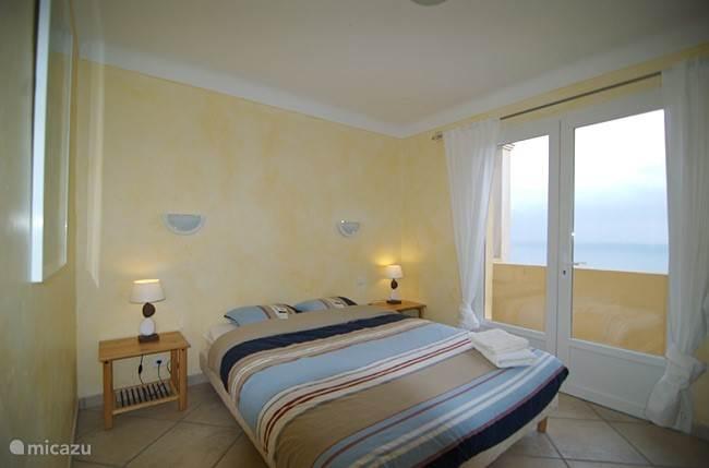 Slaapkamer 1 met zeezicht