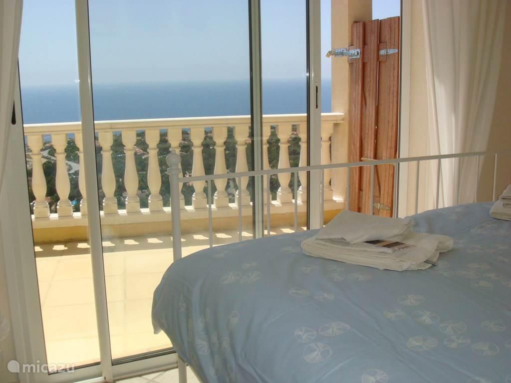 Slaapkamer met zeezicht