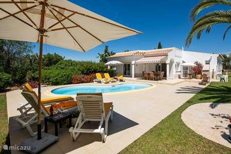 Vacation rental Portugal, Algarve, Carvoeiro villa Casa Domipajo