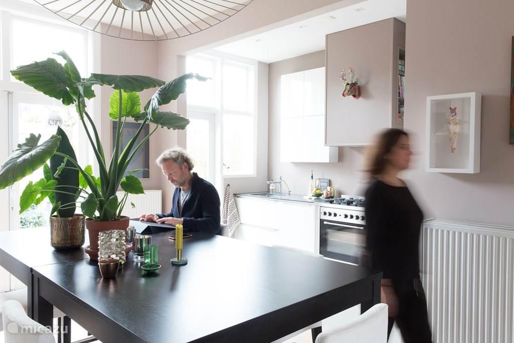 Open keuken met eetkamer