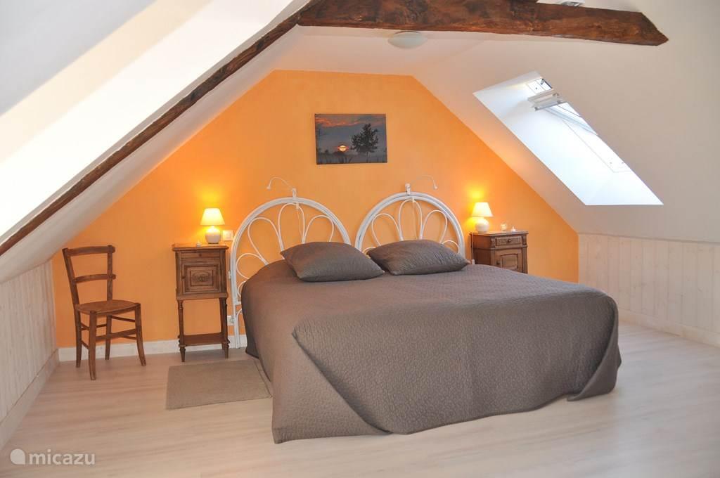 Twee bedden van 90 x 200 kunnen kingsize, lits jumeaux of uit elkaar opgemaakt worden naar wens.