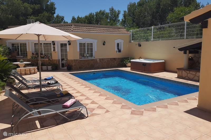 Vacation rental Spain, Costa Blanca, La Nucia Villa Villa Verano