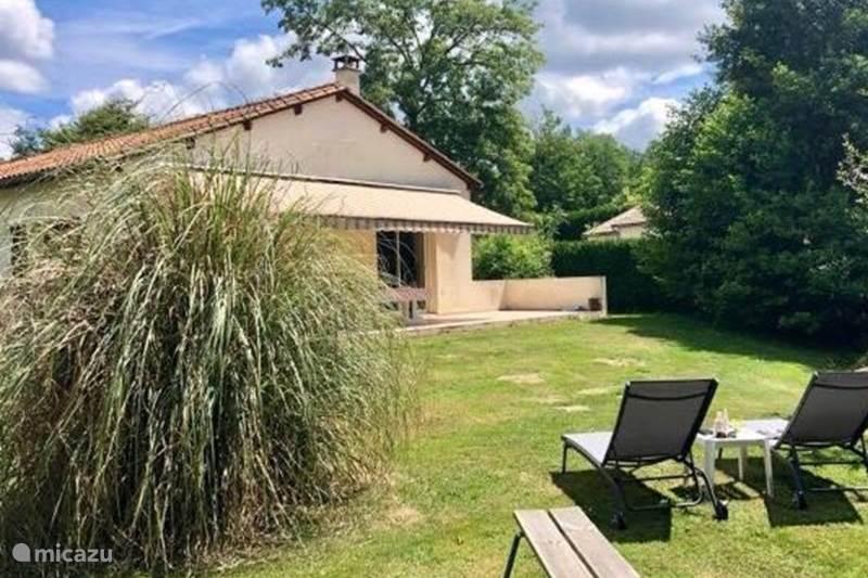 Vakantiehuis Frankrijk, Charente, Écuras Bungalow Village le Chat 200