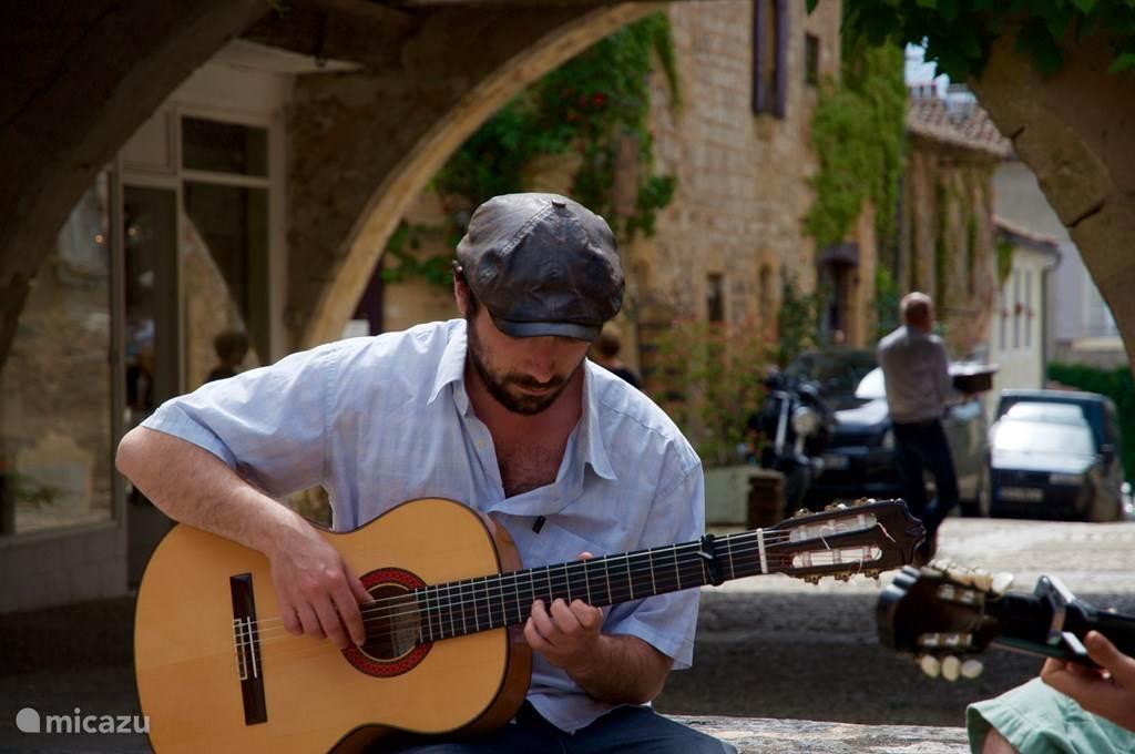 Gitarist in Monpazier