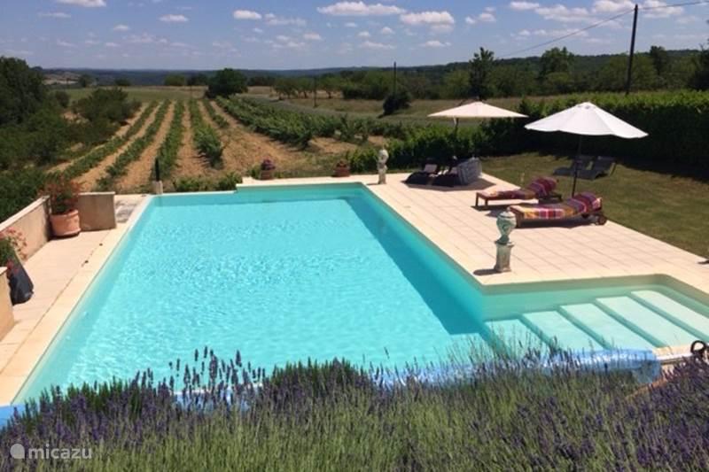 Vacation rental France, Dordogne, Saint-Cybranet Manor / Castle La Berberie
