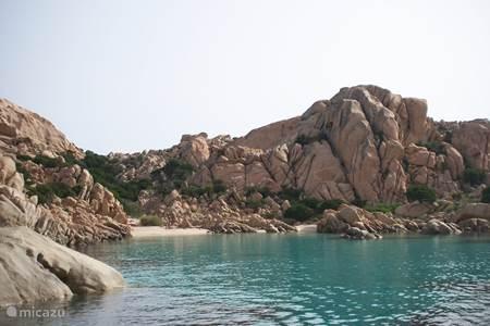 Typische Sardijnse rotspartijen