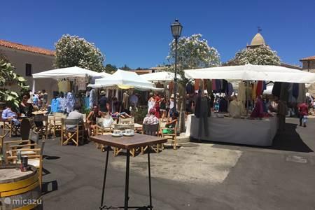 Market in San Pantaleo