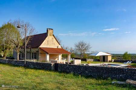 Vacation rental France, Lot, Couzou holiday house Couzame