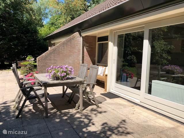 Vakantiehuis Nederland, Friesland, Leeuwarden bungalow Mooi Leeuwarden