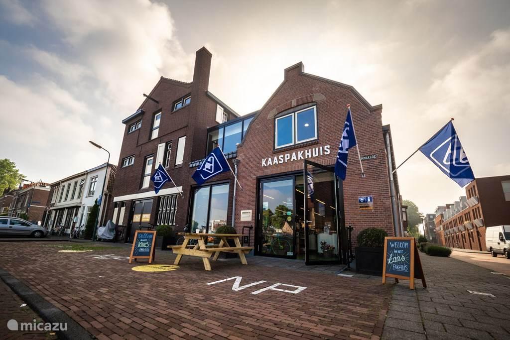 Kaaspakhuis Woerden en VVV in een.