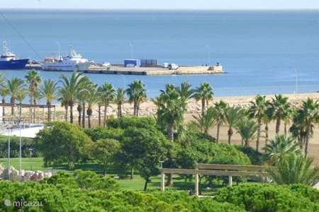 Vakantiehuis Spanje, Costa Dorada, Sant Carles de la Ràpita appartement App.met uitzicht op zee en airco .