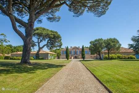 Vacation rental France, Tarn-et-Garonne, Vigueron  gîte / cottage Escudes gite Woodenshoe