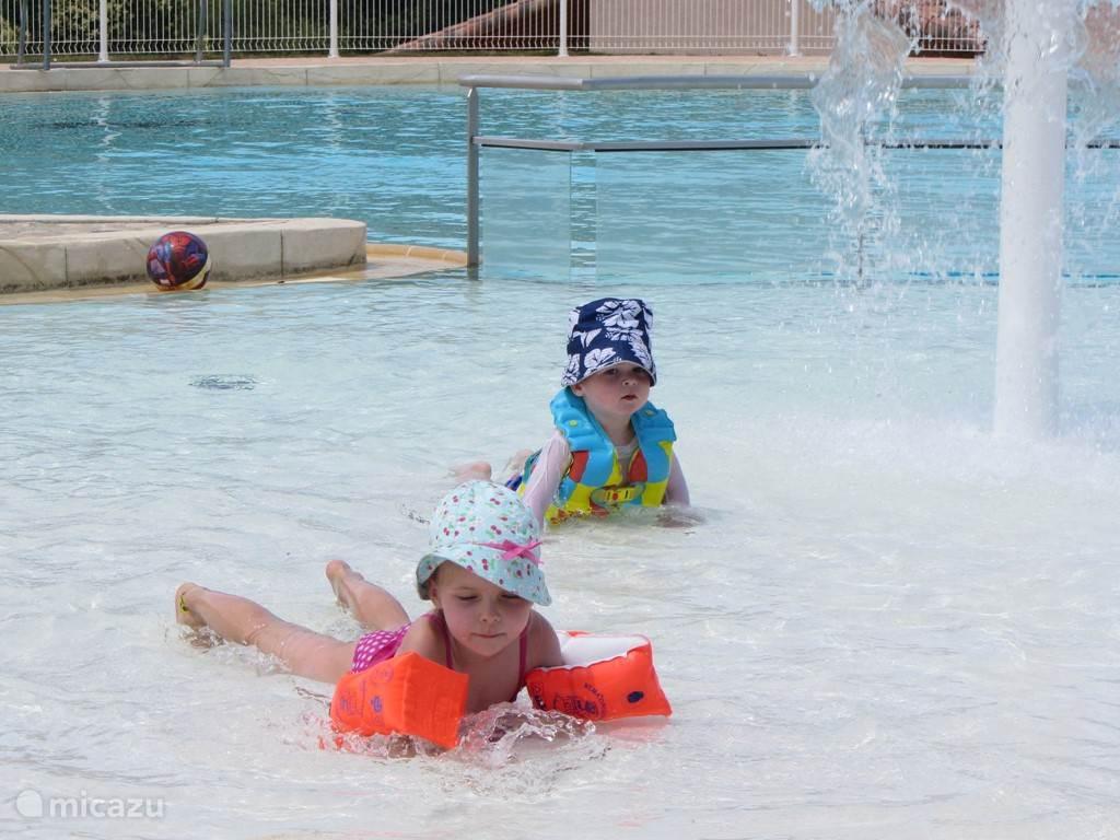 algemeen zwembad villapark