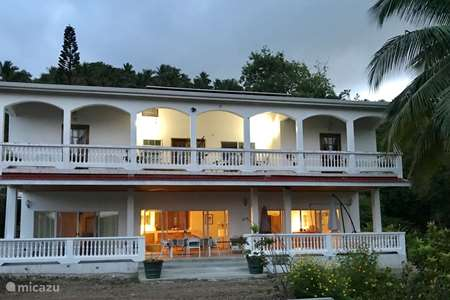 Vacation rental Saint Lucia – pension / guesthouse / private room Spacious house with swimming pool