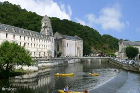 Picture is from Brantome