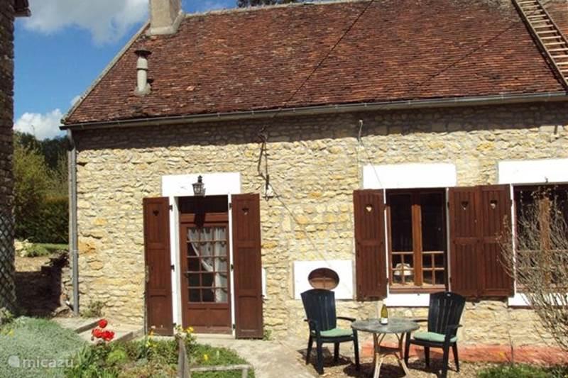 Vacation rental France, Nièvre, Cessy-les-Bois Terraced House paray