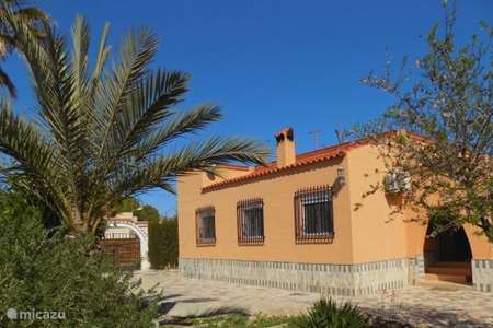 Vacation rental Spain, Costa Blanca, Monforte del Cid villa Casa Camila