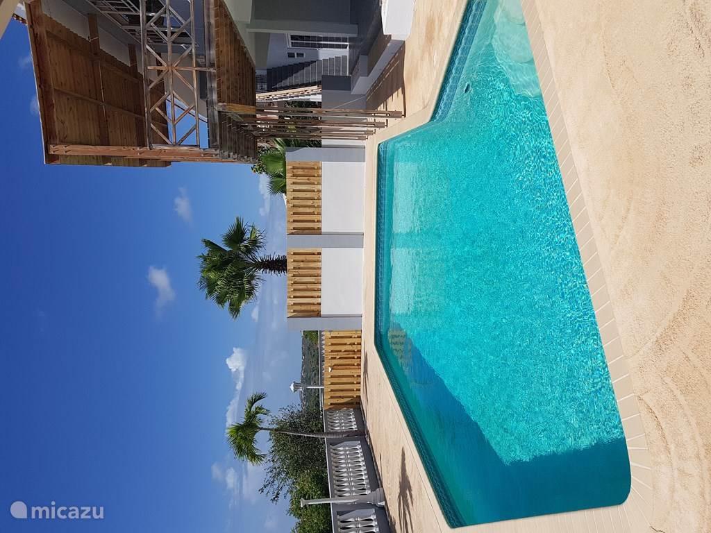 Bagni Blu Beach Vado Ligure : Ferienwohnung in la privada mambo beach banda ariba ost
