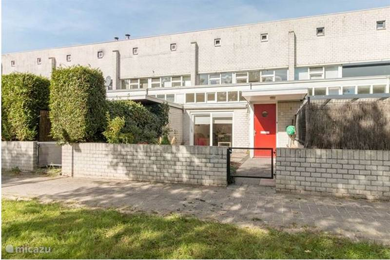 Vakantiehuis Nederland, Flevoland, Almere Stadswoning Mooi huis bij station naar Amsterdam