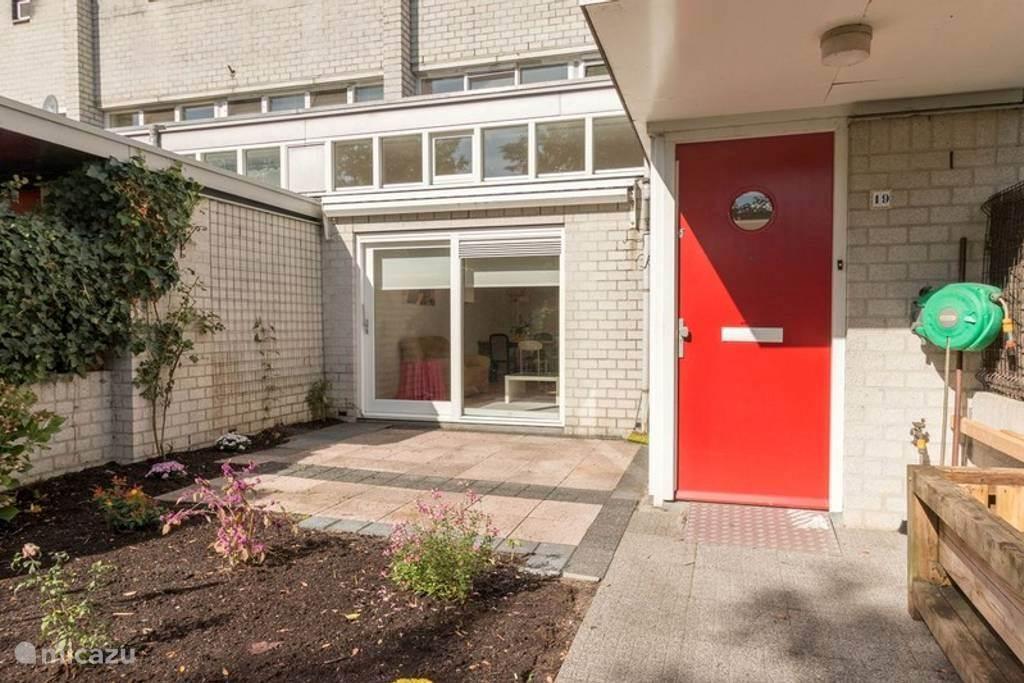 Huizen Huren Amsterdam : Mooi huis bij station naar amsterdam in almere noord holland