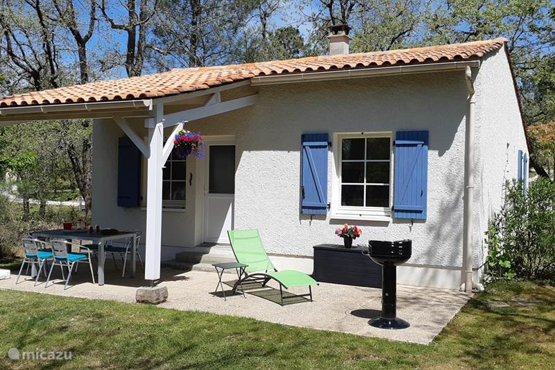 Vacation rental France, Charente, Brossac Holiday house Maison Spee 25