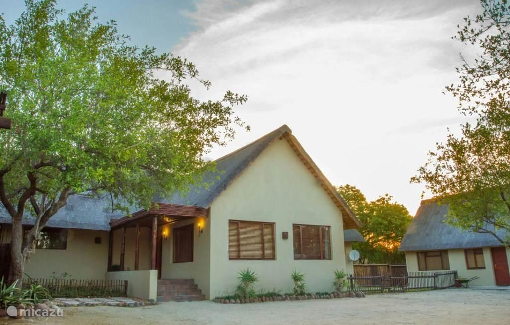 Vakantiehuis Zuid-Afrika, Limpopo, Hoedspruit Villa Luxe safari villa Ons Blyplekkie