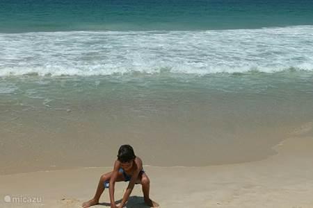 Het strand van Leme (1 minuut lopen vanaf het appartement)