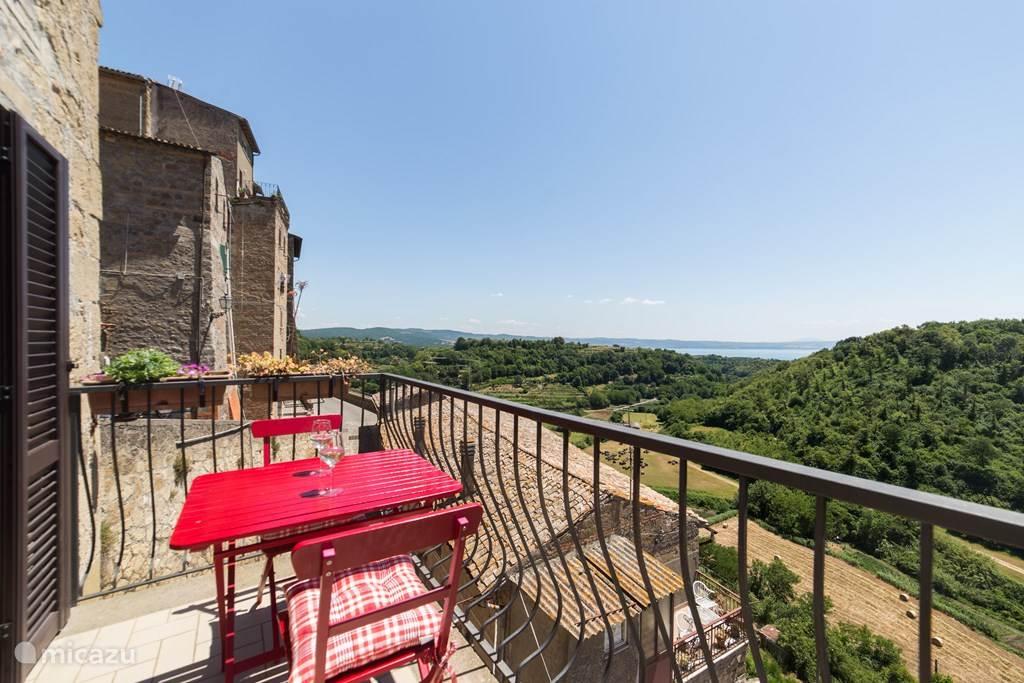 Vakantiehuis Italië, Lazio, Grotte di Castro Vakantiehuis Huis met zicht op meer van Bolsena