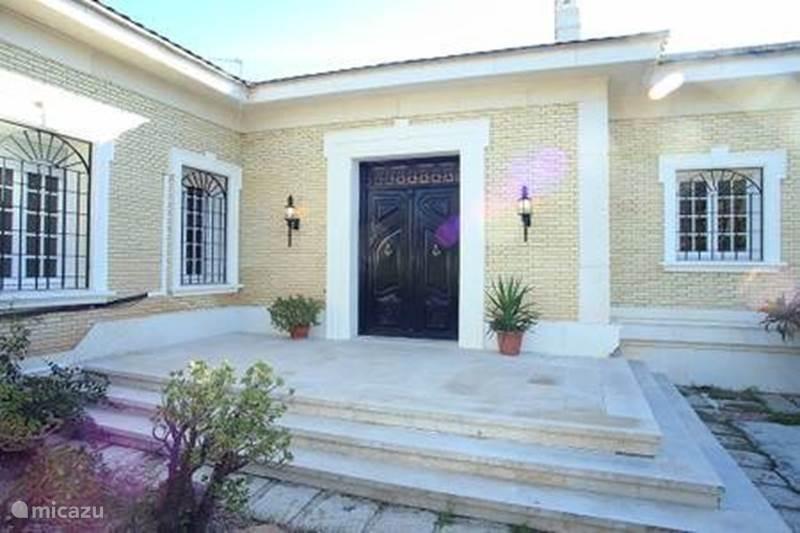 Vakantiehuis Spanje, Costa Blanca, Alicante Villa Mooie villa in Alicante hoofdstad