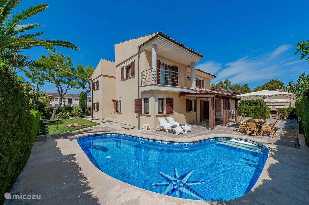 Vacation rental Spain, Majorca, Alcúdia villa Villa 'Lucky Luke' - Private Pool