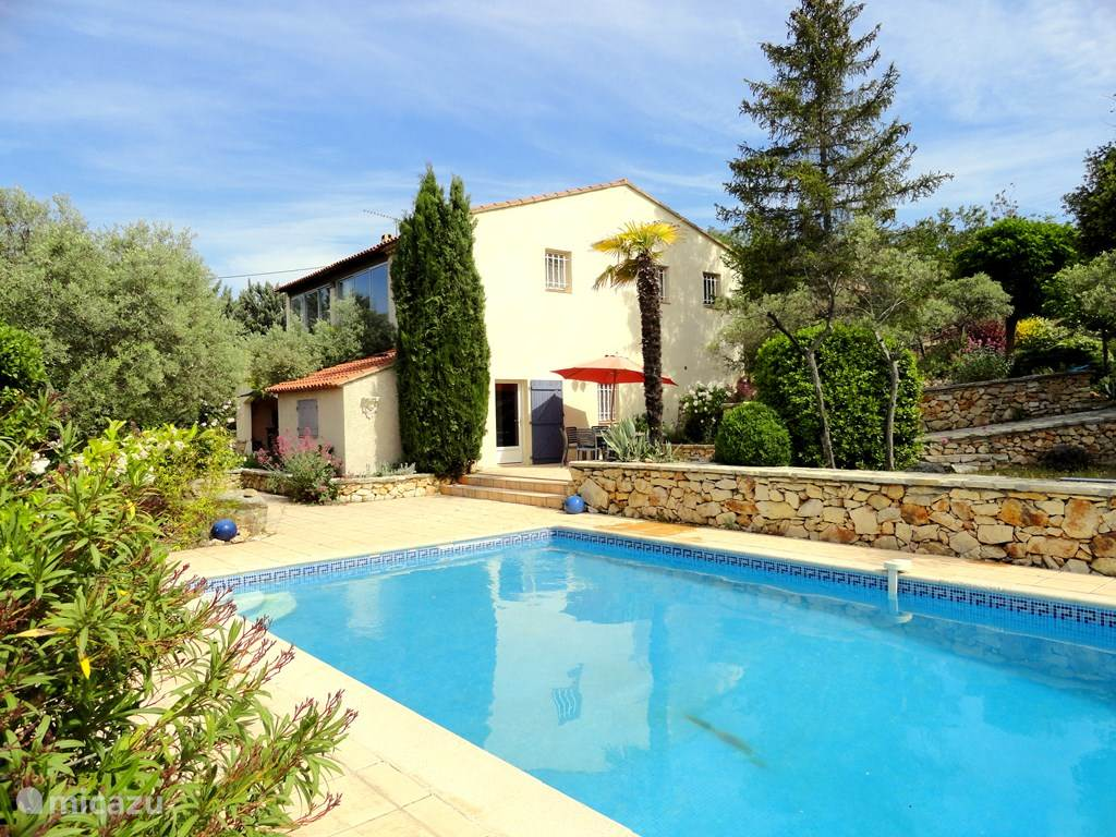 Vacation rental France, Provence, Tavernes holiday house Villa Pierre Blanche