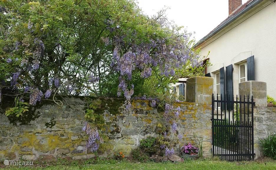 Vakantiehuis Frankrijk, Allier, Saint-Bonnet-Tronçais Vakantiehuis Maison des Cerises / Les Bergeries