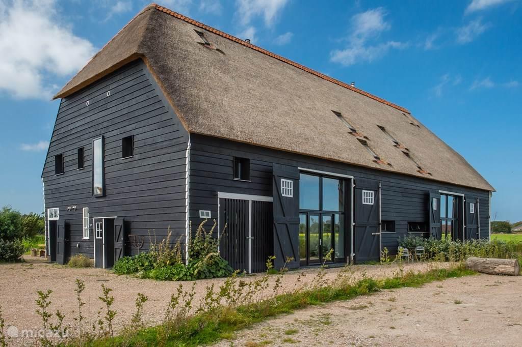 Vakantiehuis Nederland, Zeeland, Oostkapelle vakantiehuis Hoeve Planlust, Barn left