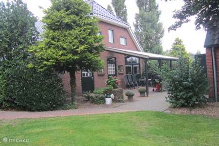Vacation rental Netherlands, Groningen, Sellingen farmhouse Holiday farm De Leede