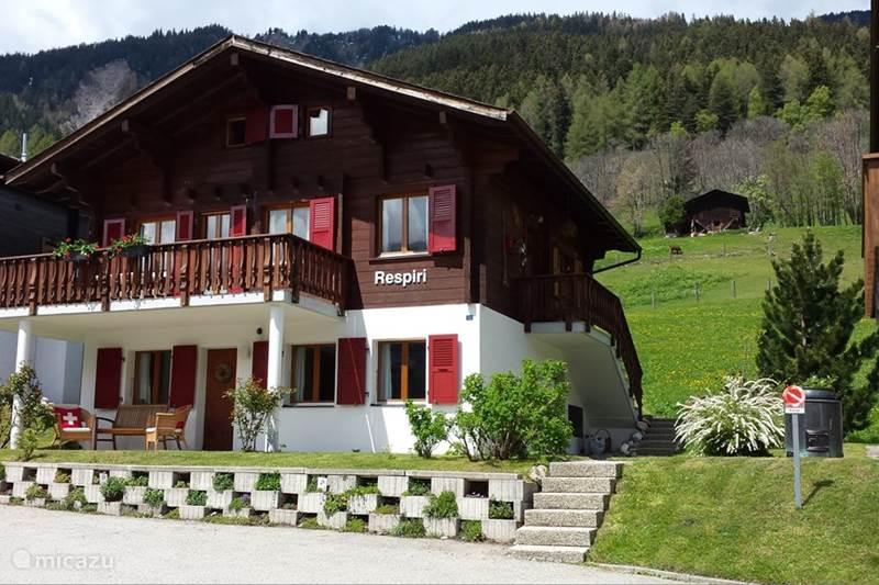 Vakantiehuis Zwitserland, Wallis, Fiesch Appartement Chalet Respiri benedenwoning