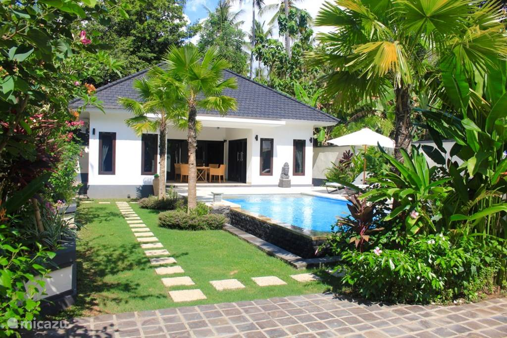 Vacation rental Indonesia, Bali, Kaliasem bungalow Villa Kupu Kupu