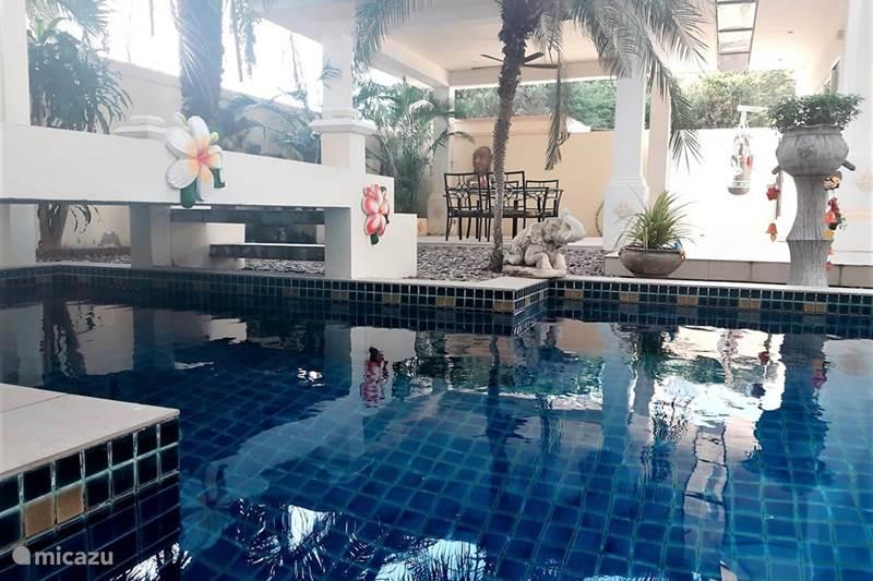 Vakantiehuis Thailand, Oostelijke Golfkust, Pattaya Pension / Guesthouse / Privékamer Island View Beachfront Pool Villa