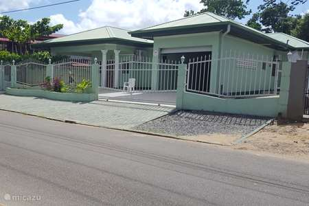 Vacation rental Suriname – bungalow Mi Dren