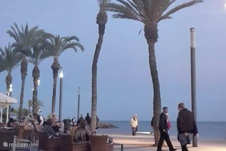 La Marina, vooral voor rust. Maar ook voor uitvalsbasis voor actieve vakantie.