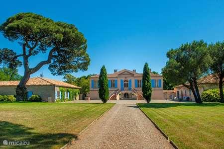 Vakantiehuis Frankrijk – landhuis / kasteel Chateau Gites Escudes
