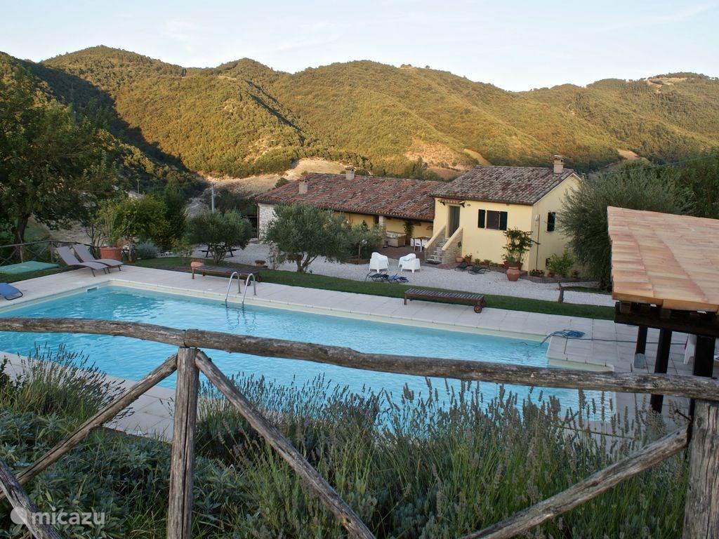 Vakantiehuis Italië, Marche, Fossombrone Appartement Casa Gialla Sopra