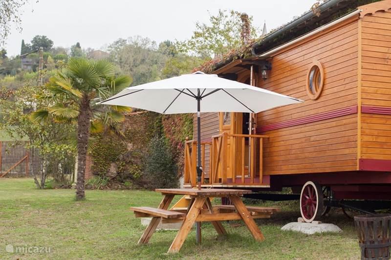 Vacation rental France, Tarn, Montvalen Mobile home Roulottes du Raxol
